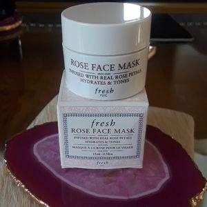 Fresh travel rose face mask